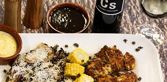 Cornflakespanerade Bjärekycklingbröst, sotad vitkål och färsk svensk majs