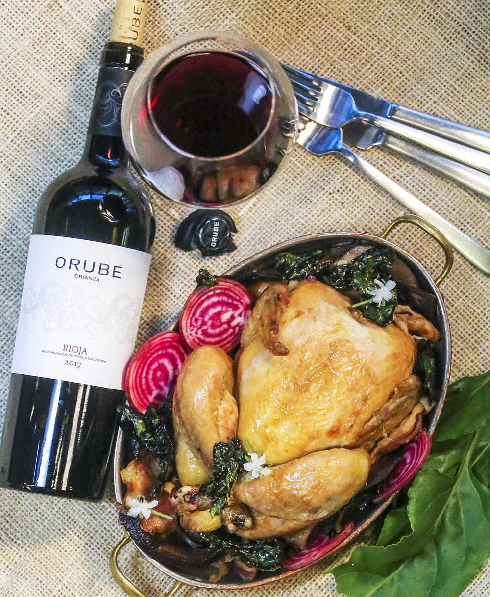 Helstekt kyckling med portabello, friterad svartkål & polkabeta